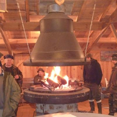 Notre cheminée et barbecue central
